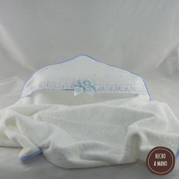 capa-de-baño-balnco-azul