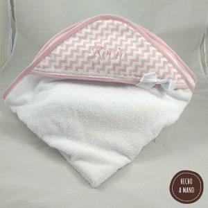 capa-de-baño-zigzag-rosa-bordada