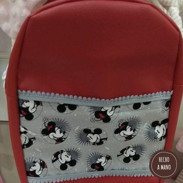 mochila-roja-hecha-a-mano-1