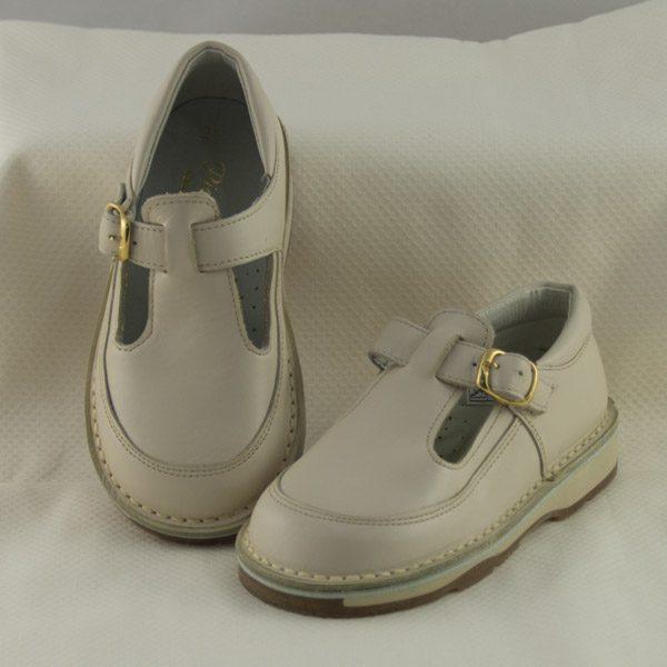 zapato-hebilla-unisex-beige