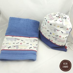pack-ahorro-mochila-saco-toalla-azul-perritos