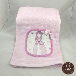 toalla-rosa-princesas