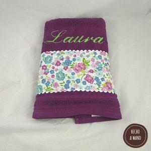 toalla-morada-flores