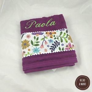 toalla-morada-vegetación