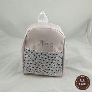 mochila-rosa-hecha-a-mano-2-bordada